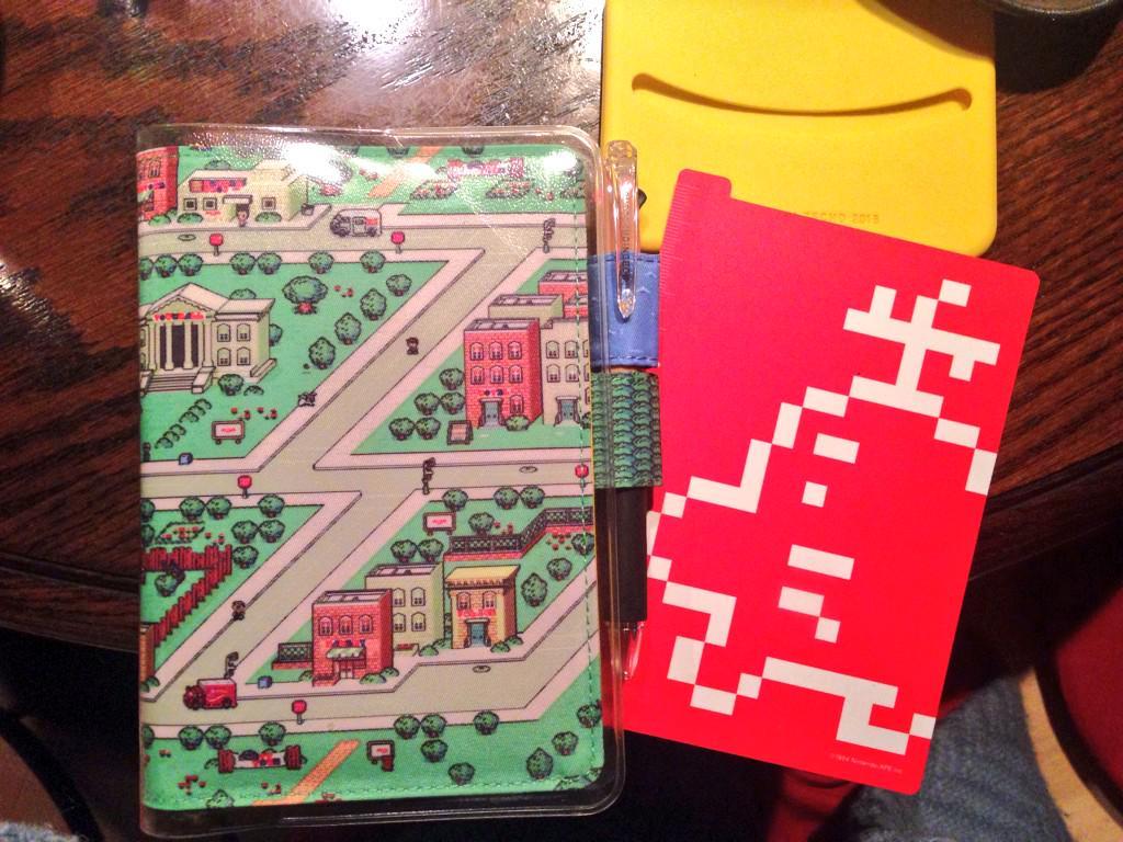 初めてのほぼ日手帳、MOHER2来た!オネットのテーマが聞こえてくるよおだ…! http://t.co/cuHR8jCS6V
