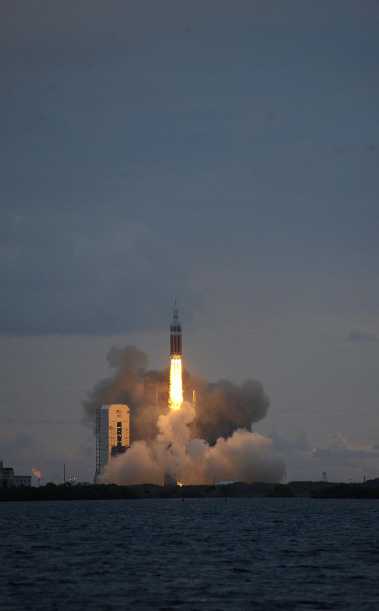 test Twitter Media - RT @FlyingMagazine: Liftoff! Great shot from the #OrionLaunch this morning. http://t.co/fmNU3i4tPf
