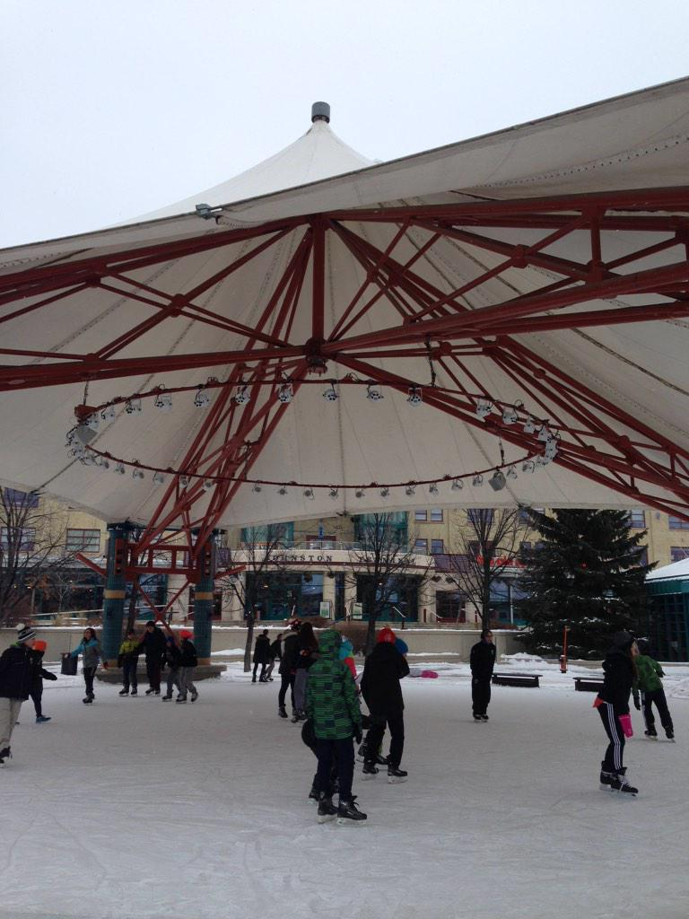 Strap on your skates, #winnipeg! We just opened 1km of on-land skating trails and 2 rinks at #theforks http://t.co/kboQODzUBD