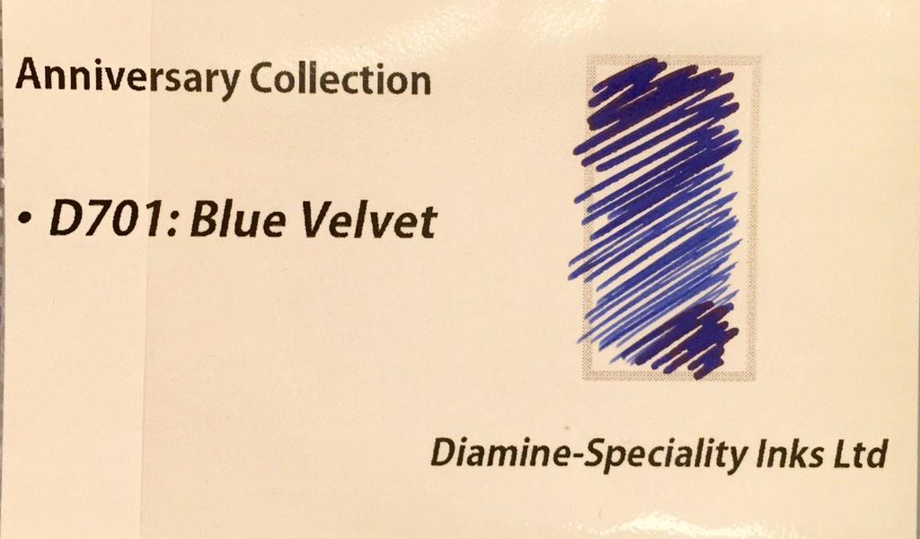ダイアミン150周年記念インクブルーベルベット。  彩度の高いブルー好きなら、これに惚れること間違いなし。 微かにレッドフラッシュします。 (つ) http://t.co/3s6KdQ3wiU