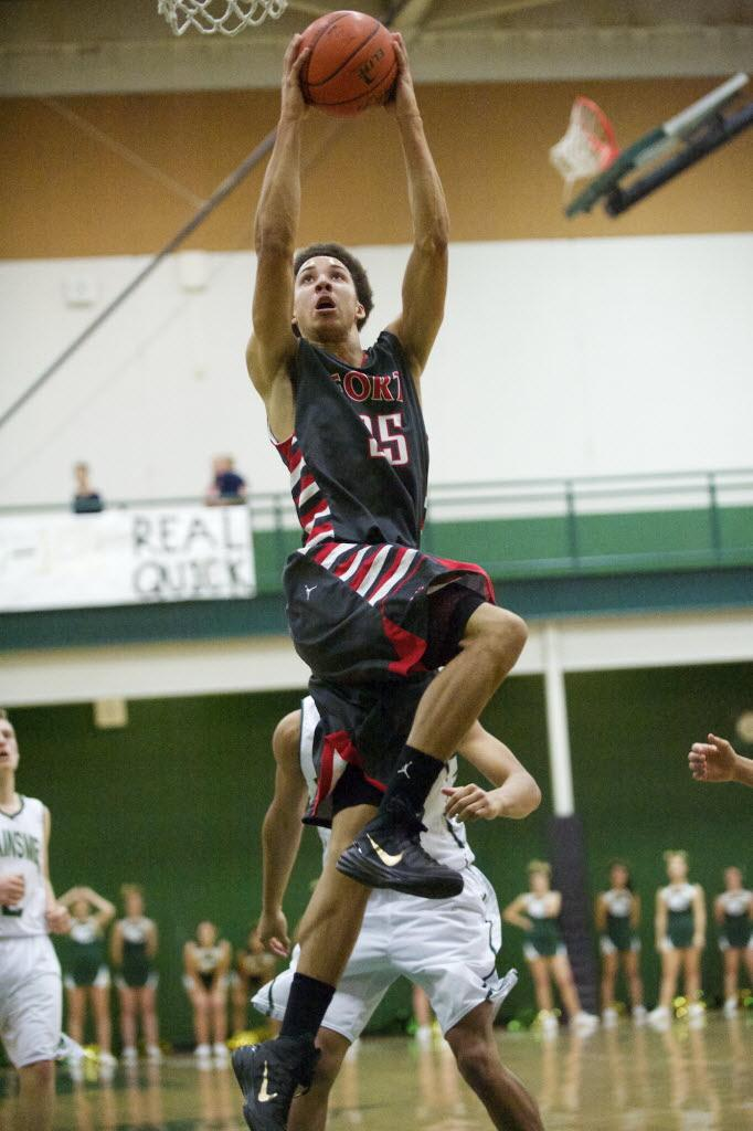 Inspired Fort knocks off Evergreen. Game story by @360PaulV and photo by Steven Lane. http://t.co/HTwgH1mzyy http://t.co/TwchlDC2y8