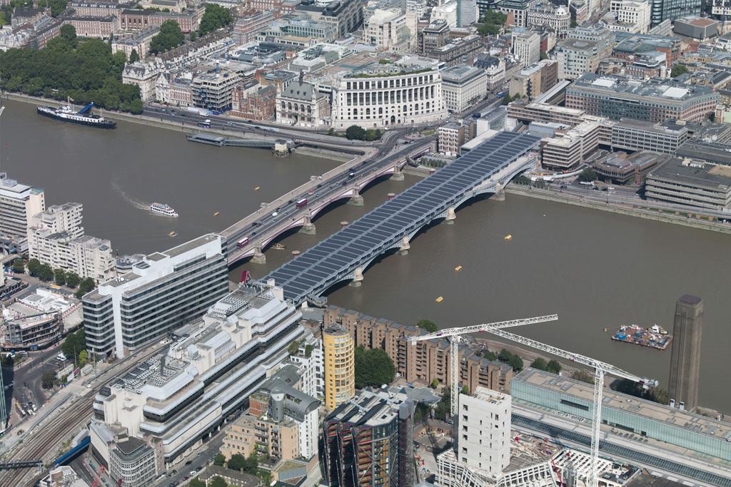 largest solar producing railway bridge - #london,#uk https://t.co/cvco4Z4Lo1 http://t.co/1sewTM8qJY http://t.co/z38vSJ3PCf