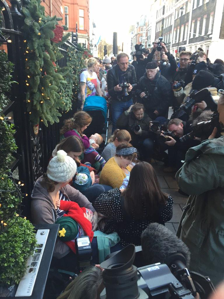 But of a media scrum outside Claridges where campaigners are protesting by #breastfeeding outside http://t.co/dqGchjxoar