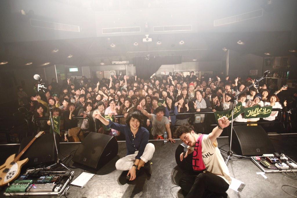 渋谷TSUTAYA O-WESTありがとう。 全28曲、やりきりました。  〆ツアー、ばっちり〆れたと思います。  皆んなのおかげです。  これからもよろしくやで。  セトリは割愛。 http://t.co/OHug574lib