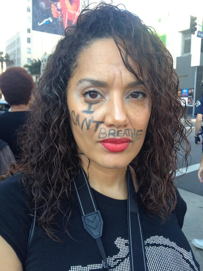HOLLYWOOD Peaceful Protest. #NoMoreBusinessAsUsual http://t.co/Ki6pWotN9K