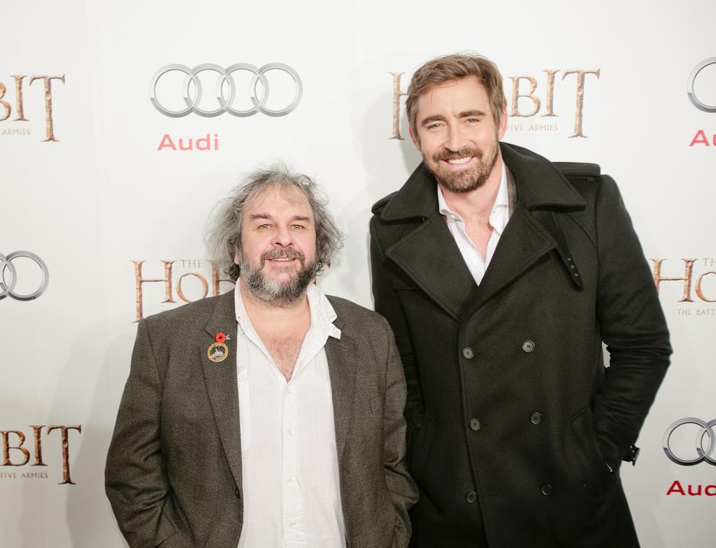 Love this photo of @leepace & Peter Jackson from the @WBPicturesCan @TheHobbitMovie red carpet. #MembersGetIt http://t.co/4elXNdSFFU