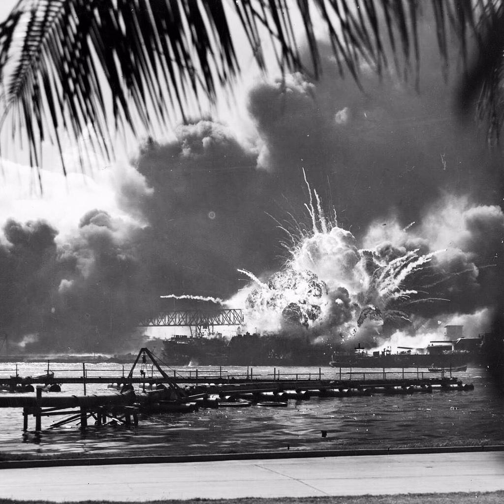 73 yrs ago on a quiet Sunday, just like today....nearly 4000 Americans lost their lives. #NeverForget #PearlHarbor http://t.co/27YvMlFFBz