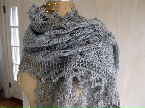 cherie knit an over the top, beee-yoo-teeful morning glory in @BareNakedWools cabécou sport http://t.co/9L03uDl93r http://t.co/6jvWgmzMiE