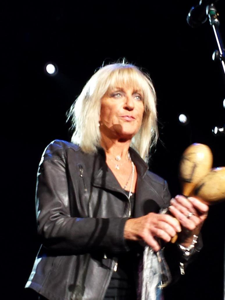 #ChristineMcVie performing at #Theforum last night. So happy to have her back! #FleetwoodMac #onwiththeshowtour http://t.co/7mb7At5bRo