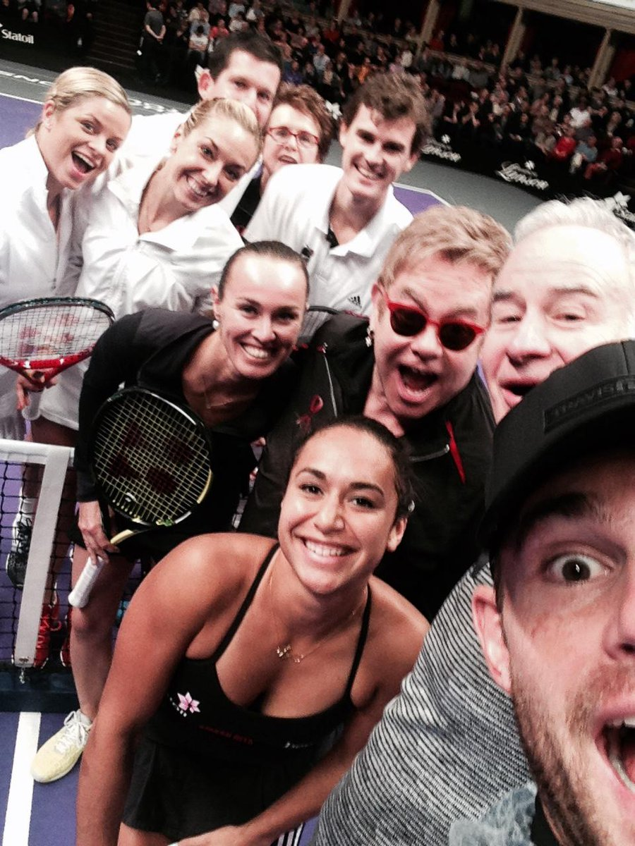 Taken by #TeamElton's @andyroddick at @RoyalAlbertHall, we give you this #MylanWTTSmashHits rock 'n' roll #selfie! http://t.co/UZ08ZOuQCL