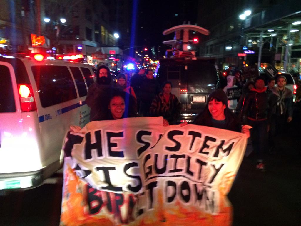 #ShutItDown demonstrators march in the middle of 5th ave in NYC #EricGarner #ICantBreathe http://t.co/AoNABoksfU