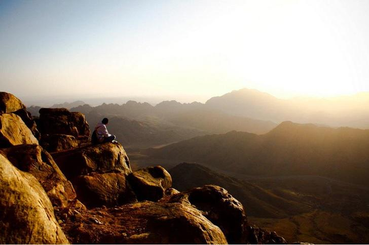 Get out of the #city.. Go watch the #world from above..! Visit Mount #Sinai! :) #Visit_Egypt #Egypt #Hiking #Trekking http://t.co/yXWSXCAsqo