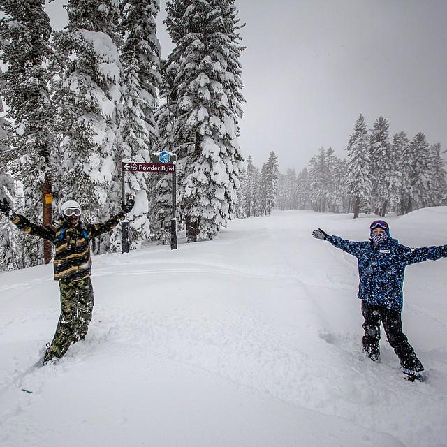 "Say hello to 31"" of snow at @SkiNorthstar this season! And more to come! #TahoeNorth http://t.co/aatDk69ibg"