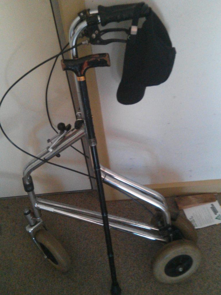 It has to be done and I hope @stellajyoung laughs her arse off.  #putoutyourwheels (oxy tanks, sticks) #stellayoung http://t.co/GtR8JLMigv