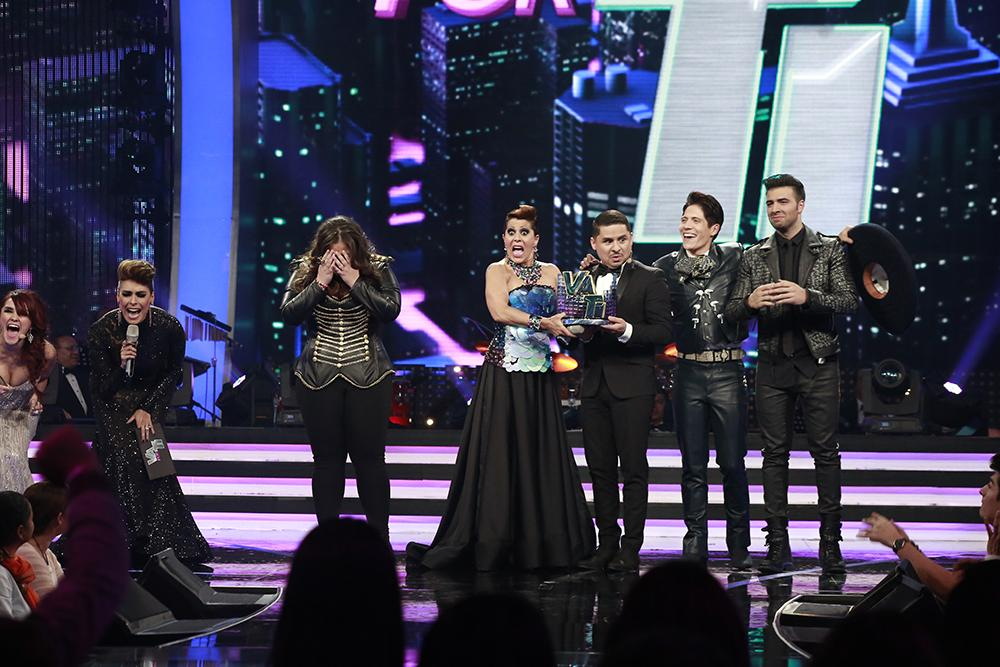 ¡¡¡#YazairaVPT es la gran ganadora de #VaPorTi!!! RT para felicitarla #GranFinalVPT http://t.co/YzjntTm4Qn