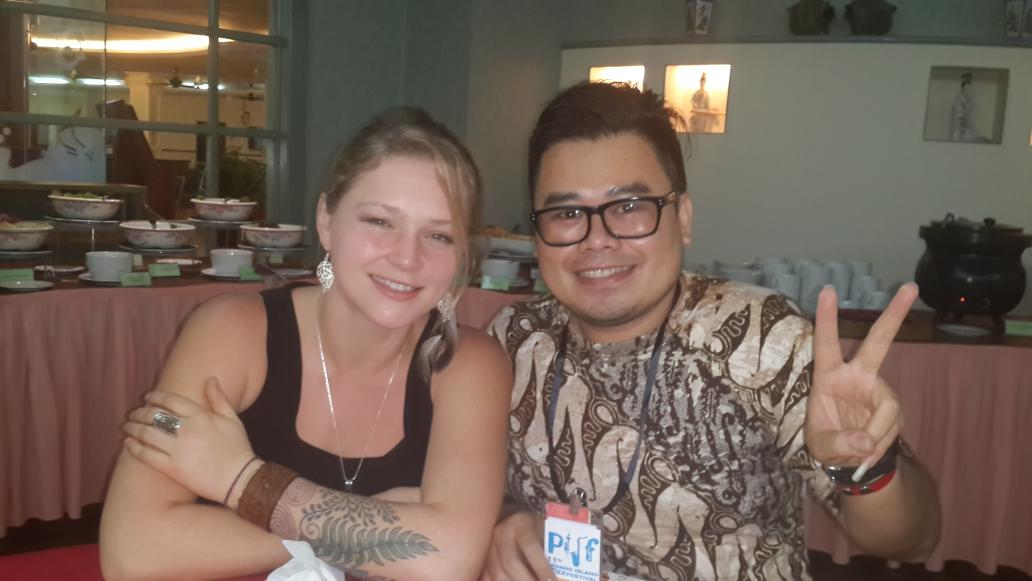 Thank you @crystalbowersox for an interview for my radio. @radiovolare that was amazing. Thank you for your time :) http://t.co/SAiL9SQTko