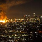 RT @epolitzerphoto: huge fire downtown Los Angeles. looks really bad