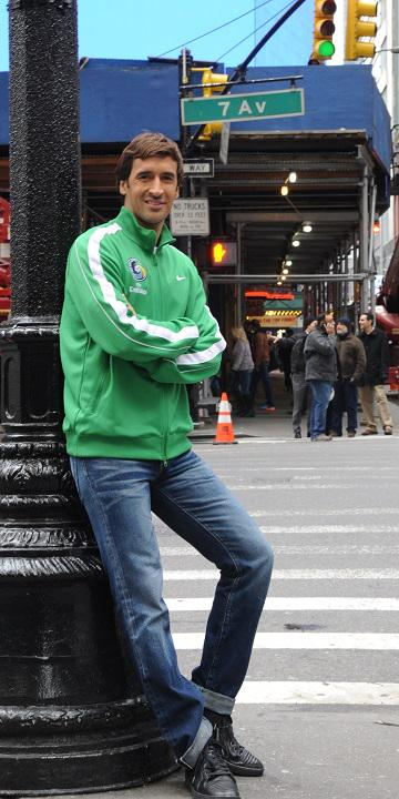 We hope you're ready to welcome Raúl to New York tomorrow! #CosmosCountry http://t.co/fxKuqxTFxe