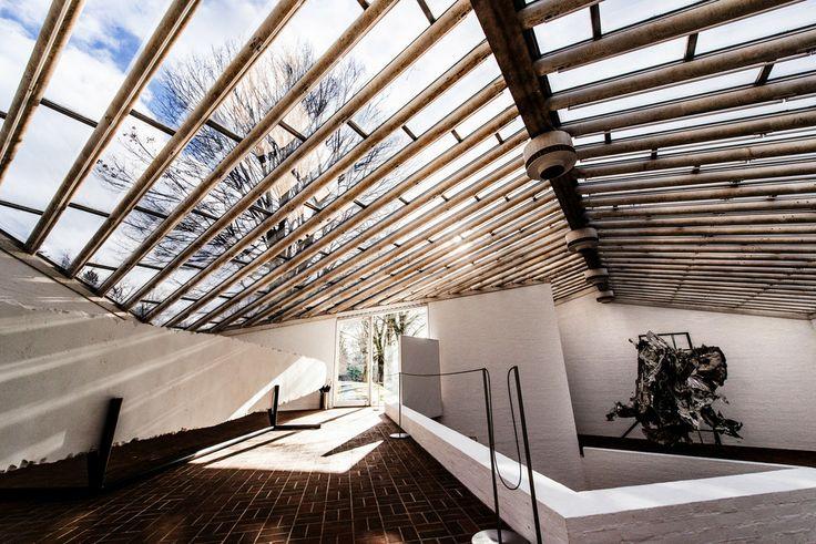Waarom eigenlijk #dakpannen als dit ook mogelijk is?  #Dakraam onder #architectuur @VriesiaGlas @binnenhuisarchi http://t.co/RPKvSVEwPP
