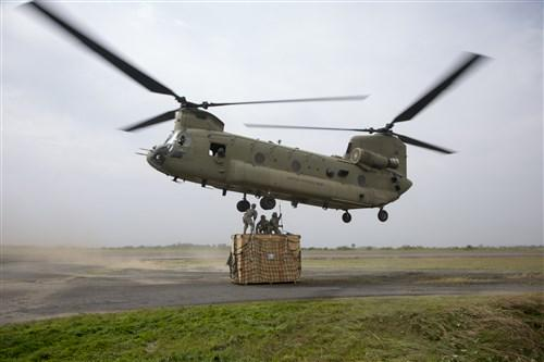 PHOTOS: Troops airlift incinerator to an #Ebola treatment unit in #Liberia http://t.co/fprmJgkis8 http://t.co/4sOMfutRrw