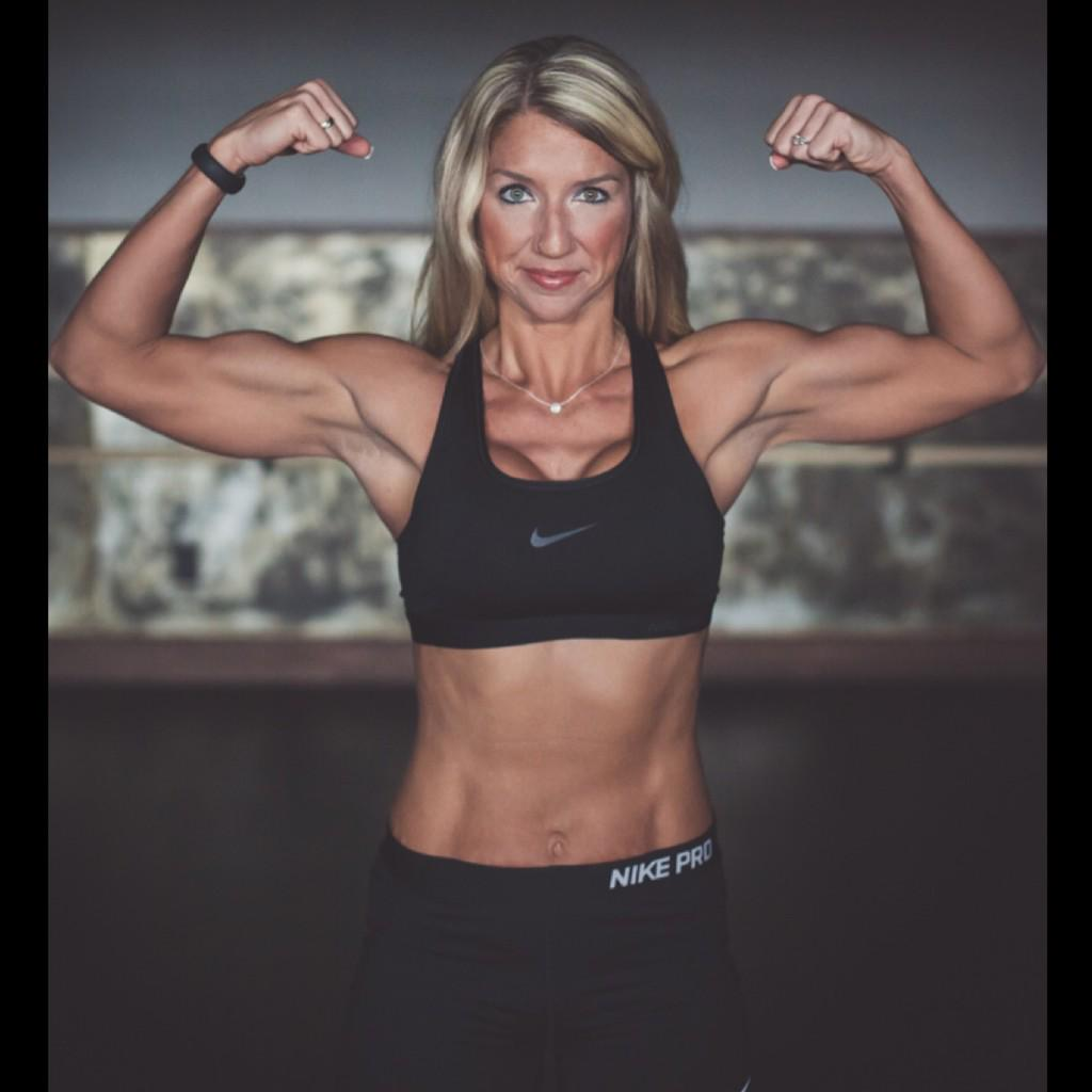 It is a shame for a woman to grow old w/o ever seeing the strength & beauty at which her body is capable of. #FitFam http://t.co/yuNi4IUZ3Q