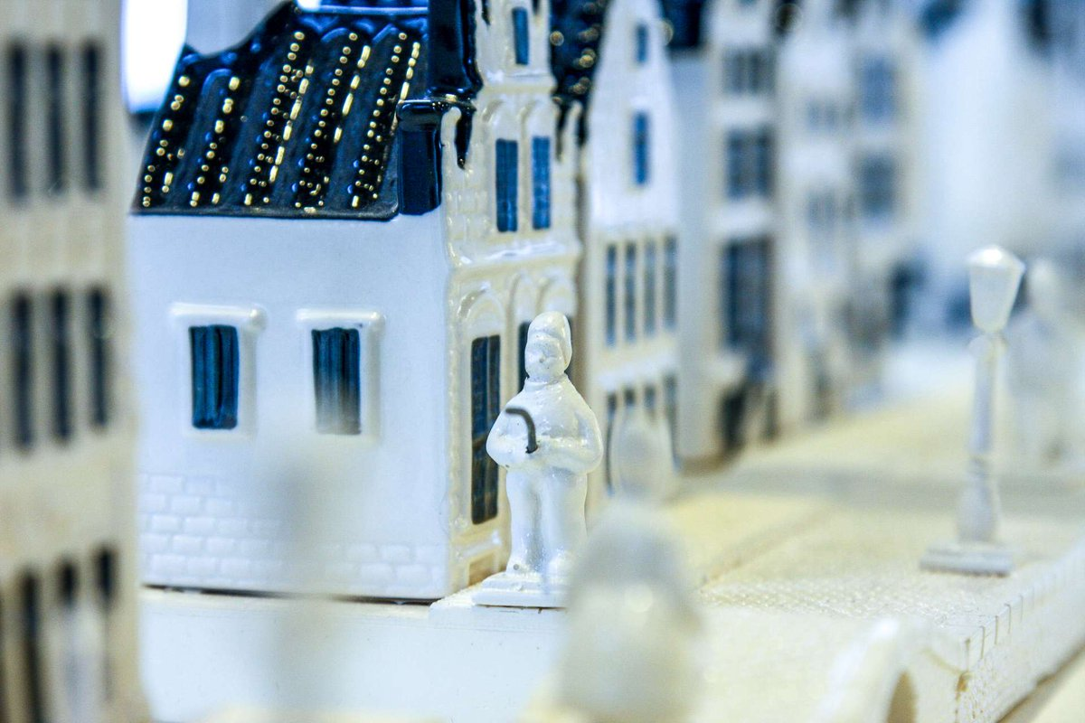 Discover the 8 rarest, most unusual and most wanted KLM Delft Blue Houses.