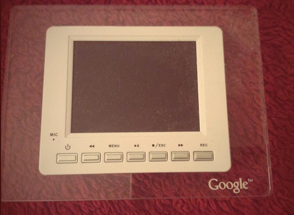 I've said it a thousand times: #Google's hardware obsession runs deep. Unreleased home device, circa 2007. http://t.co/AW6aN82e9z