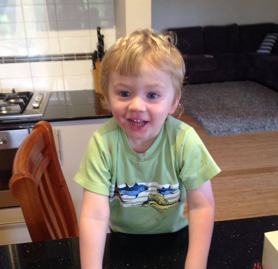 Tragic update in the search for Sam. Police have found a child's body in Landsdale Lake. Our thoughts with family. http://t.co/vBFJzRgoGW