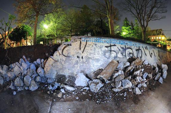 [COLUMN] 田中憲治 - 白畑公園がRIP。利用者や市民の声を無視して工事を強行する市や議員により自由の象徴は何の面白味もない公園に生まれ変わります。この一件は、この国の縮図とも… http://t.co/FkS4xvFy1o http://t.co/f9mATrMxl0