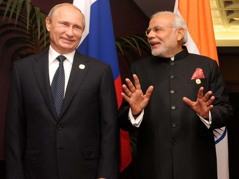 Modi to Putin: USSR?  Putin to Modi: RSS U? http://t.co/MgAZhRtCyj