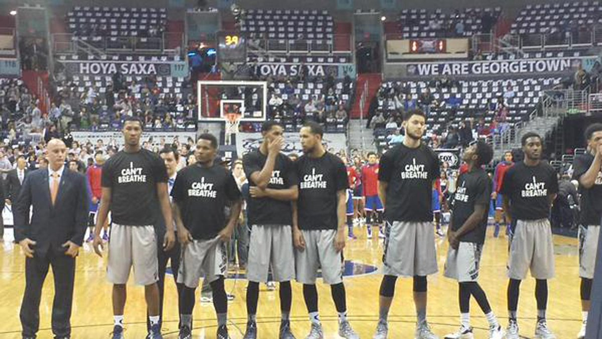 "Georgetown becomes first college team to make statement w/ ""I Can't Breathe"" T-shirts. http://t.co/qswt0wFGe5 http://t.co/4i8DkpF7H5"