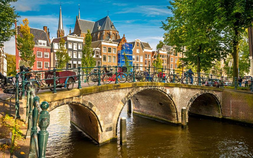 Need a cheap hotel in Amsterdam? Find just what you're looking for here: