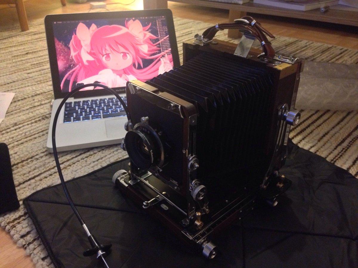 今さっき日本のカメラが届いだ!キタ━━━━(゚∀゚)━━━━!! http://t.co/GarIMunQ7B