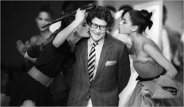 ¿Eres amante de la moda y el diseño? Entonces sabrás perfecto quién es nuestro diseñador de hoy. #ELLEtbt @YSL http://t.co/gm15A6q2vW