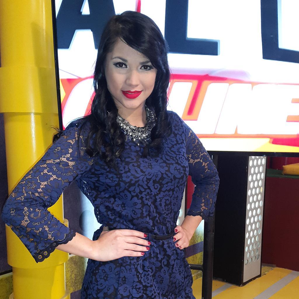 Stefany Galeano (@StefanyGaleano): No se pierdan #Calle7Online ahorita por canal 11 http://t.co/U5j51Vovz8