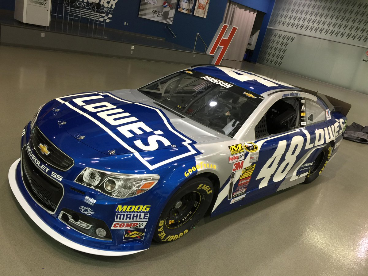 HERE IT IS -> @JimmieJohnson's 2015 No. #Lowes48 Chevrolet SS: http://t.co/8zXKwllKKM