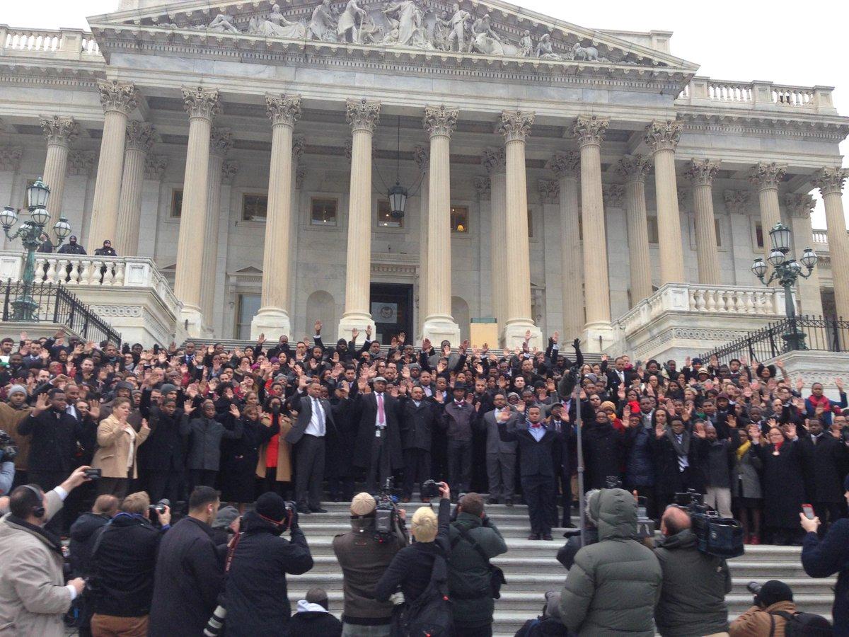 Dozens of staffers gather on Capitol steps to protest police brutality #BlackLivesMatter #AllLivesMatter http://t.co/R6OaNT3ZDe