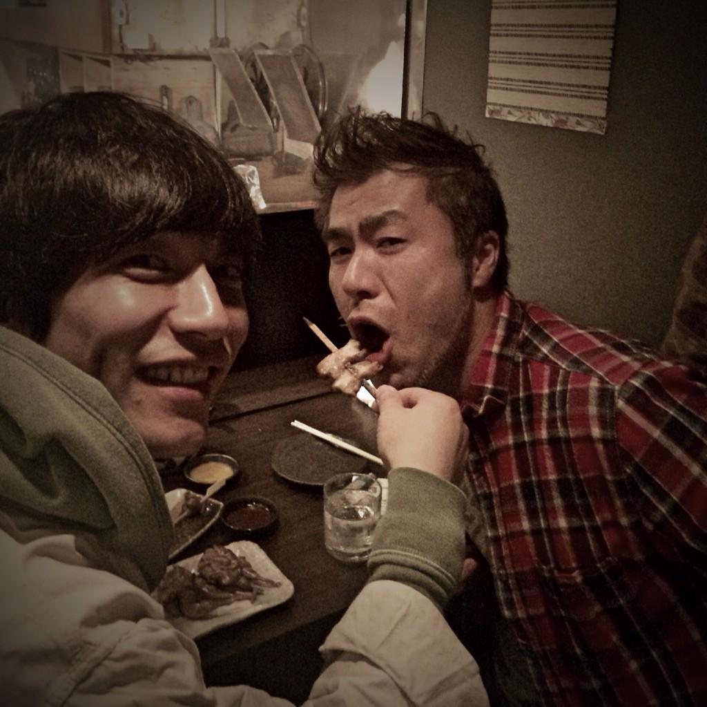 真太郎が「あ〜ん」してくれるから、今日は自分のお箸を使ってないです。 http://t.co/EAObsbNj1u