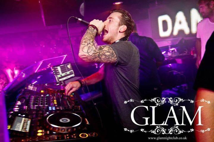 TONIGHT // @AntiSocialGlam  In just a few hours, @itsDannyJones will take to the decks! Who's coming? http://t.co/jyboTjAvra
