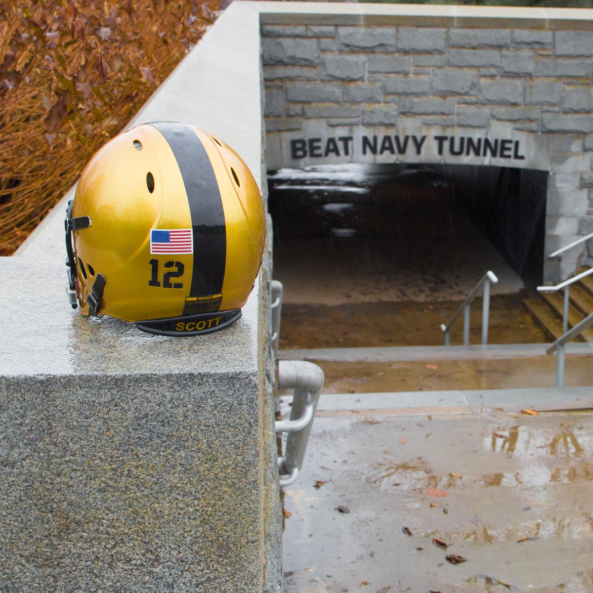 For every Soldier to ever wear the uniform, today boils down to one thing #BeatNavy! #ArmyStrong @ArmyEquip http://t.co/VjI231KaPX