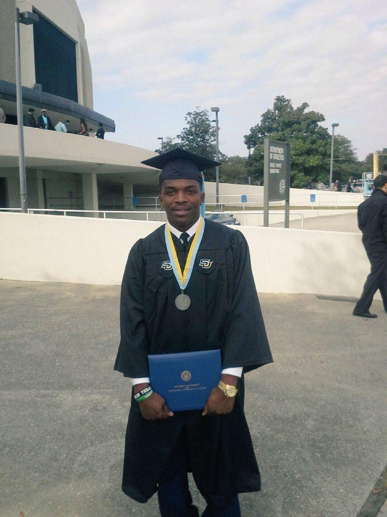 Great News! Mychal Bell of the Jena 6 graduated today from @SouthernU_BR w/ a degree in edu interdisciplinary studies http://t.co/1GEPn21oyk