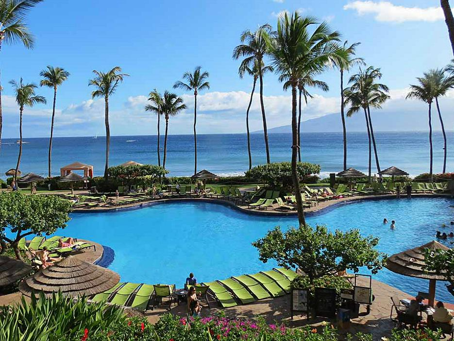 You'll find the best hotel pools in the world in Hawaii (in a surprise to no one) @HyattMaui