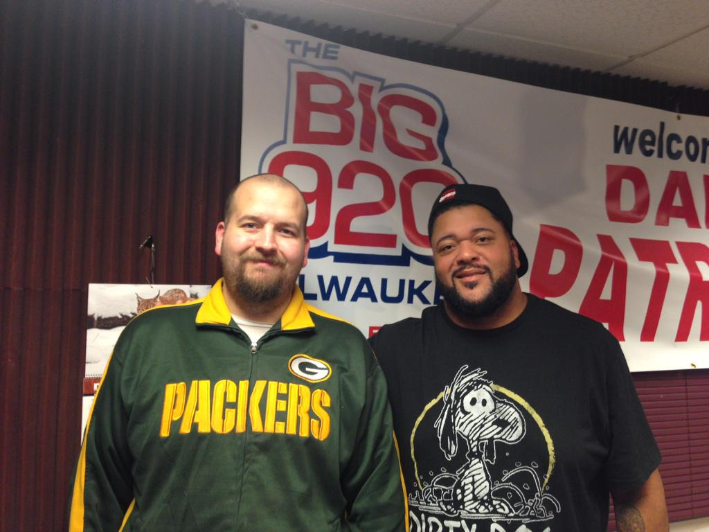 Me and the Gravedigger @GilbertBrown thanks to you and @MarkMMayfield for the opportunity to meet you. http://t.co/YTf8f3RHTP
