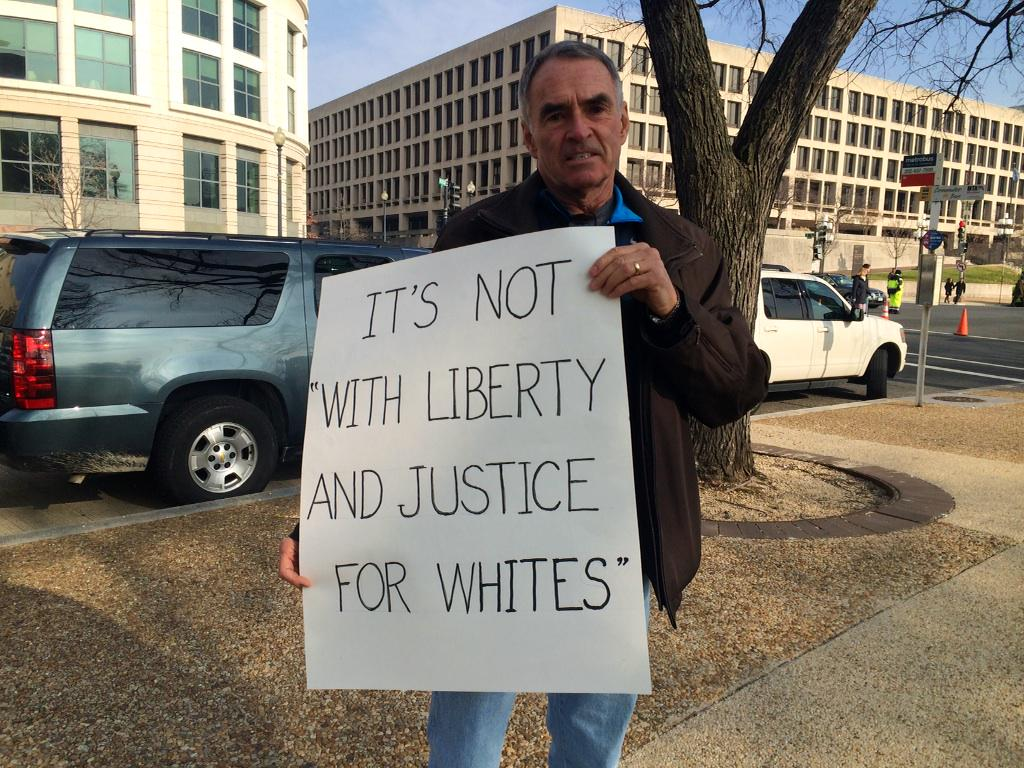 #Justice4All demonstrator prepares to march in Washington D.C. #EricGarner #ICantBreathe http://t.co/pWh3qrzlg8