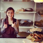 """Zo trots en blij dat ik hier elke dag mag bakken! Via @fleursteiner @keekutrecht #utrecht #twijnstraat #oudegracht http://t.co/QjS57zb46M"""""""