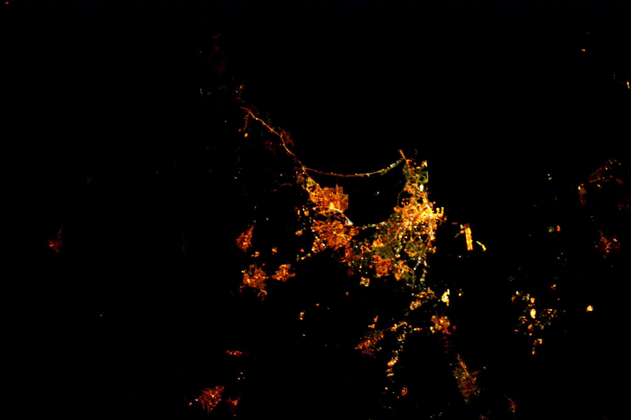 (IT) E questa è Cagliari di notte. Ho dei fantastici ricordi delle mie visite! http://t.co/Fa1NPRz5iP