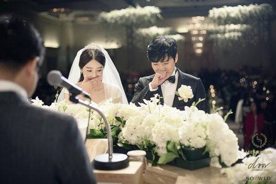 Happy Wedding Sungmin & Kim Sa Eun! Have a happy life forever❤ http://t.co/0JpiGlnvQm