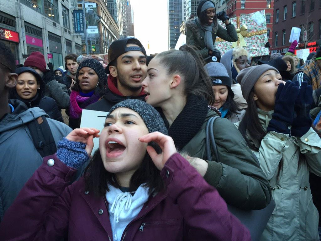 """""""This is what democracy looks like!"""" #MillionsMarchNYC ##BlackLivesMater http://t.co/4RYYQjxklh"""