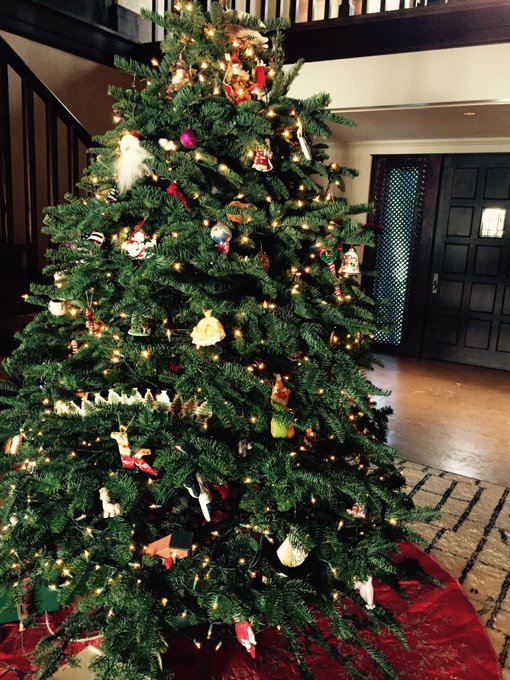 Cindy Crawford @cindycrawford: It's beginning to feel a lot like #Christmas! http://t.co/UUz90ZyIm4