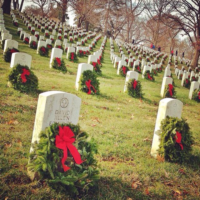 Thank you, DC. EVERY marker at Arlington National Cemetery has a wreath. @WreathsAcross http://t.co/jzK0TGmuNV http://t.co/oU02AgumMC
